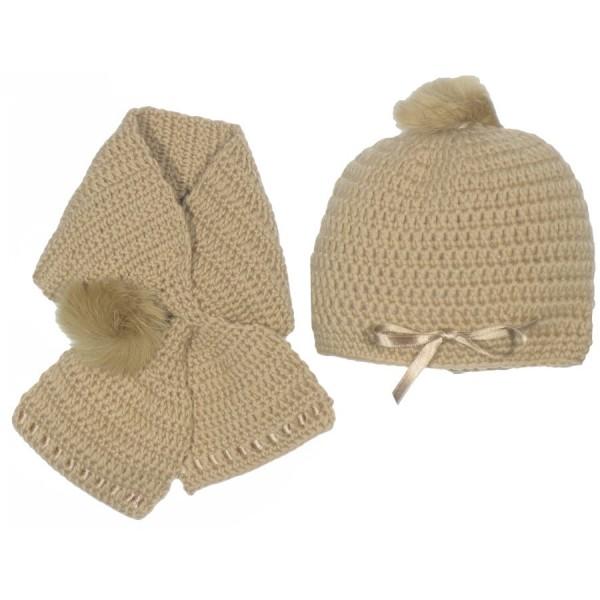 Gorro y cuello de lana camel hecho a mano para bebé