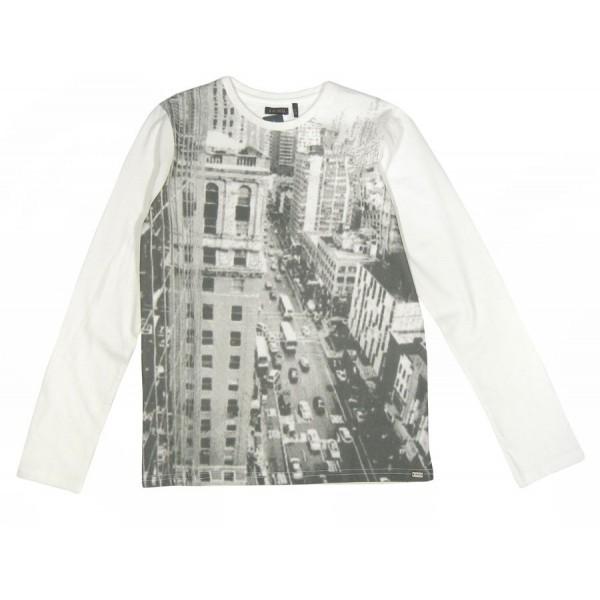 Camiseta blanca para chico de la marca IKKS con paisaje
