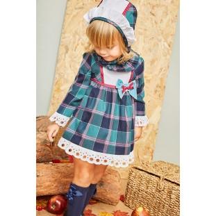 Vestido escocés y capota para bebé de Marta y Paula