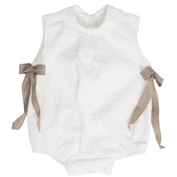Pololo blanco bordado con lazos para bebé marca Pangasa