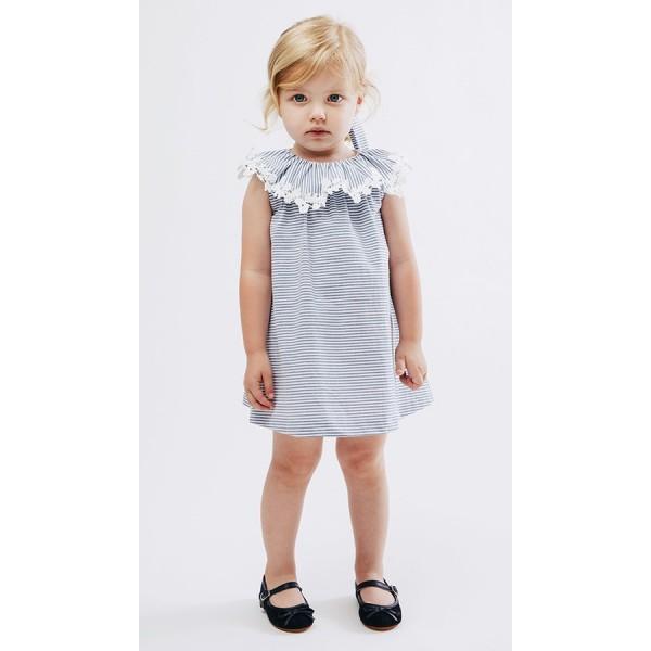 Vestido de mil rayas azules con guipur de Fina Ejerique